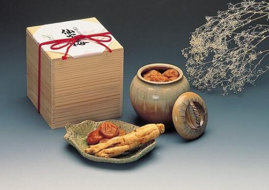 梅干しを通販でお求めならおいしい「南高梅」を取り扱っている仙宝へ。